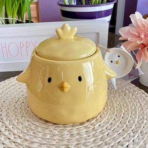 NEW adorable ceramic Chick canister with Egg scoop